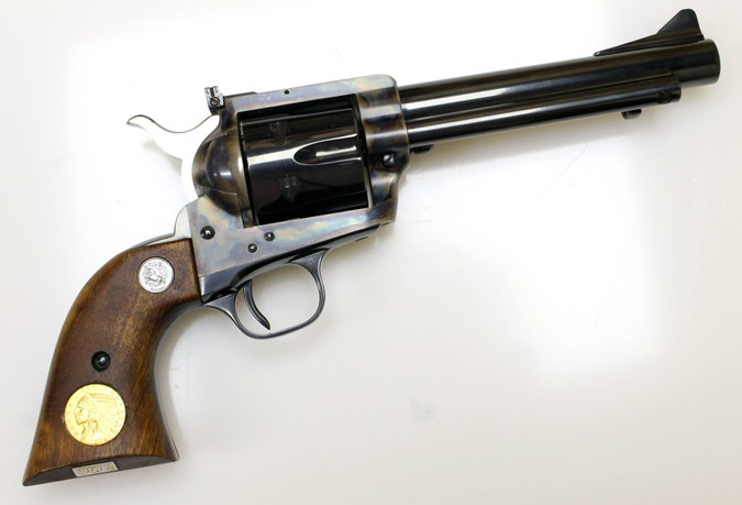 Revolver Colt Single Action Army New Frontier Postwar + Goldmünze